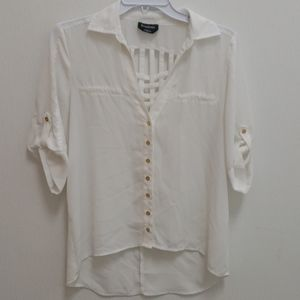 ❤BEBE BUTTON DOWN SHEER TOP W/CUTE WOVEN BACK, med
